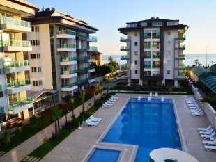 Property in Alanya - Right on the sea in Alanya / Kestel