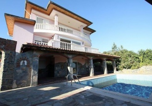 Property in Alanya - Villa for sale in Alanya